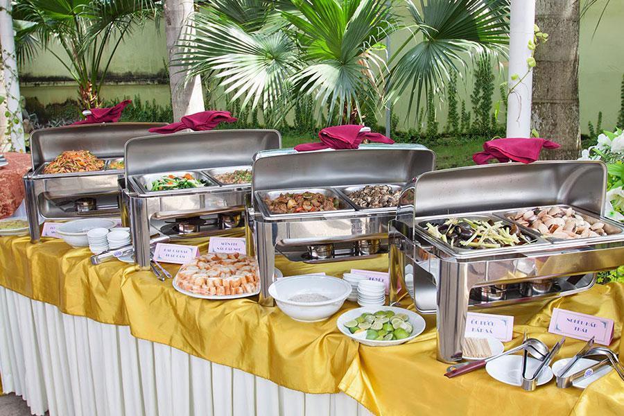 Đặt tiệc buffet lưu động – Đơn giản, chu đáo, hiệu quả