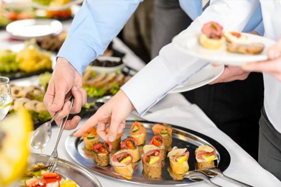 Đặt tiệc buffet quận 5 - Bạn có biết nguồn gốc tiệc buffet?